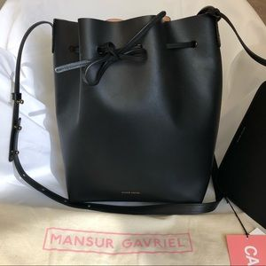 NWT Mansur Gavriel Bucket Bag in Black/Ballerina